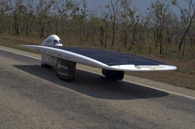 Автомобили на солнечных батареях, первые испытания, лучшие модели