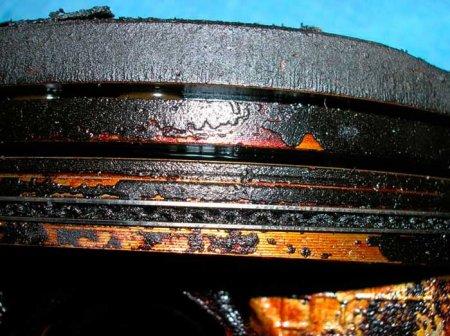 Закоксовка: омпрессионные и маслосъемные кольца и канавки под ними