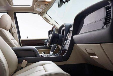 Lincoln Navigator 2015 – прощание с V8