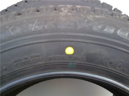 Желтая метка на шине