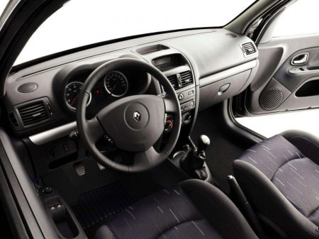 Renault Clio 16V кабина
