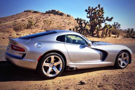Внешность автомобиля Dodge Viper