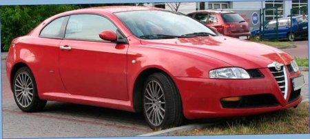 Alfa Romeo GT вид с боку