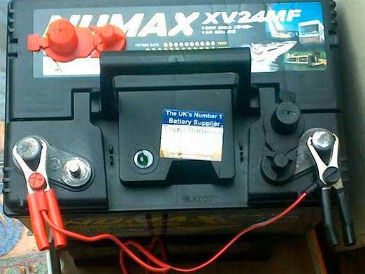 Как правильно зарядить необслуживаемый аккумулятор