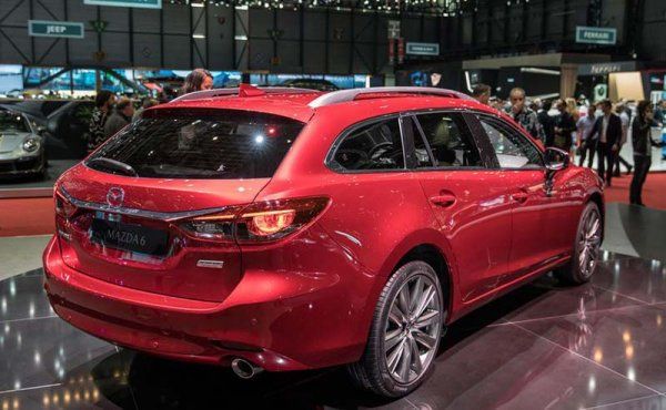 Mazda 6 обновилась и подорожала