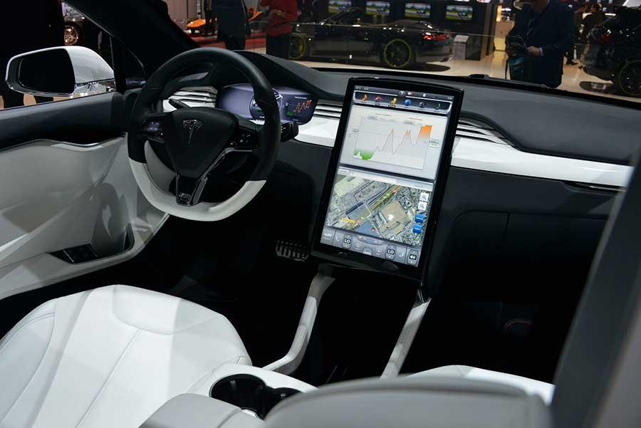 У автомобилей Tesla скоро появится свой «голос»