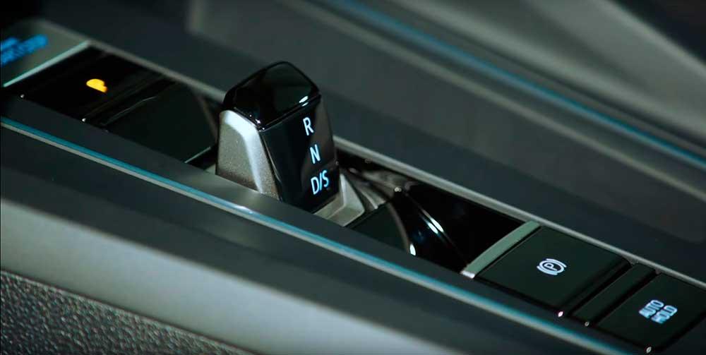 Volkswagen Golf 8 – интеллектуальный городской хэтчбек нового поколения