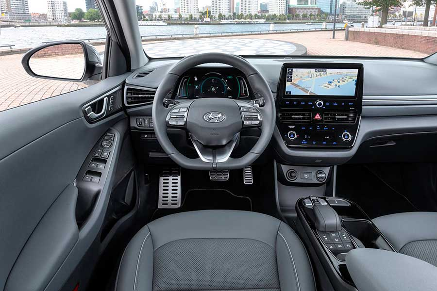 Hyundai представил рестайлинговую версию Ioniq