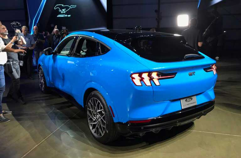Электрический Ford Mustang Mach-E уже доступен в Европе для предзаказа